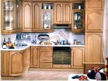 Кухня с фасадами из натурального дерева, производство Италия.